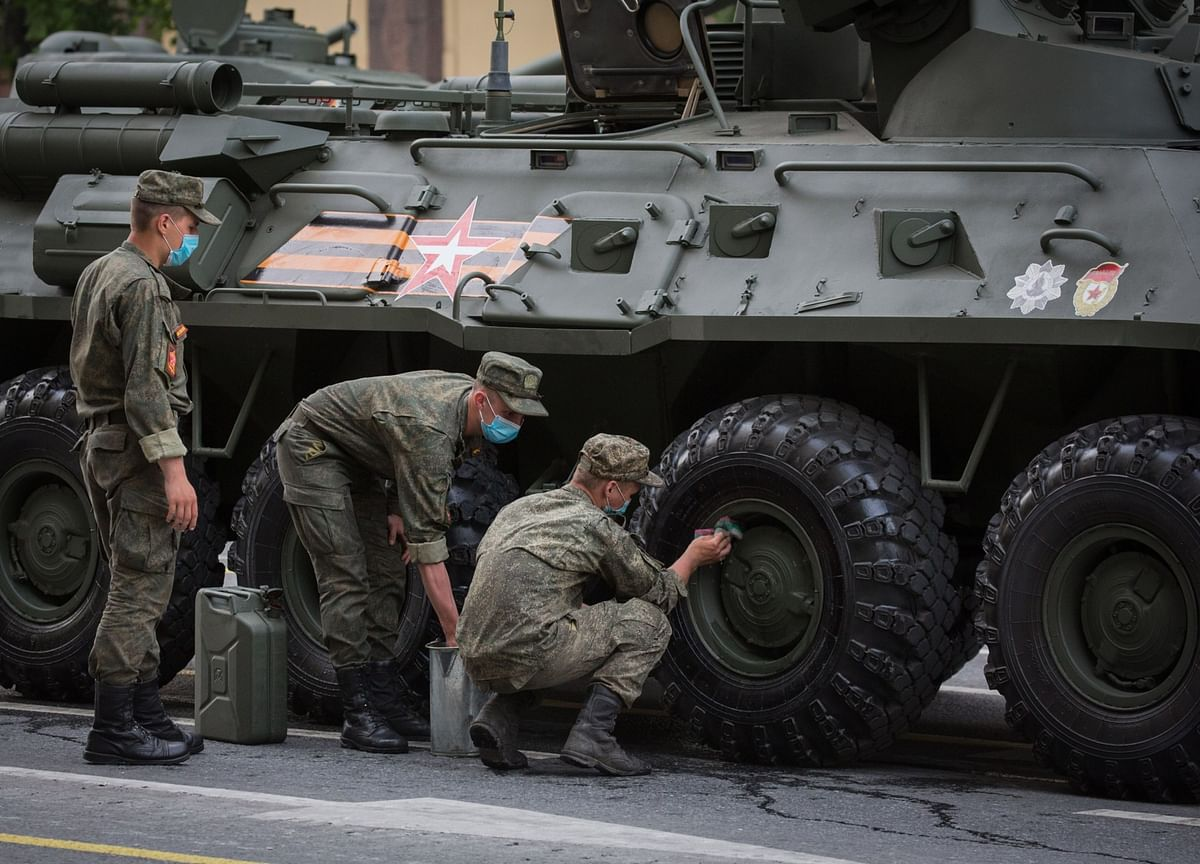 EU Says Russian Troops on Ukraine Border Raise Risks