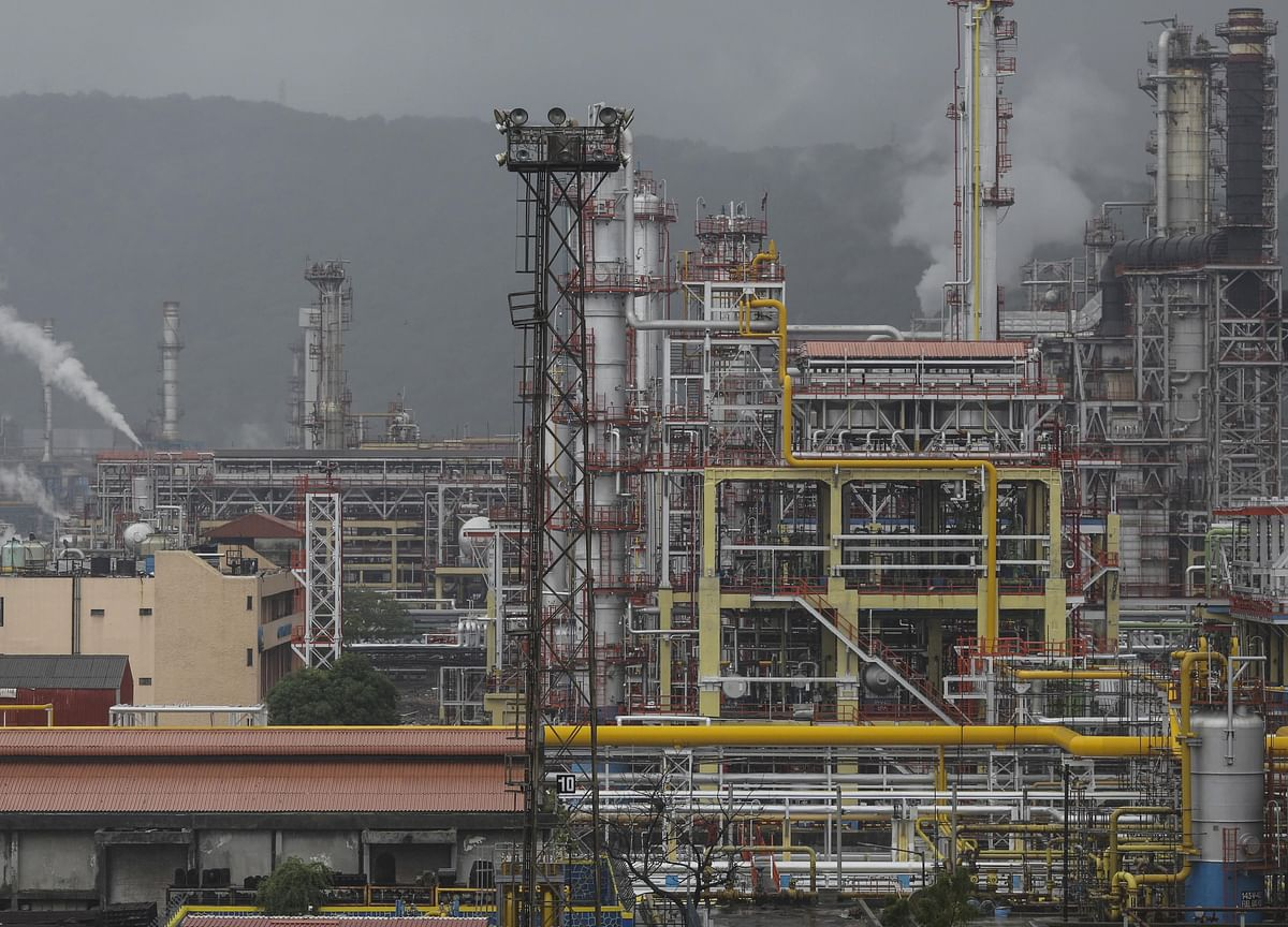 Asia's No. 2 Fuel Guzzler Eyes More Exports as Covid Hits Demand