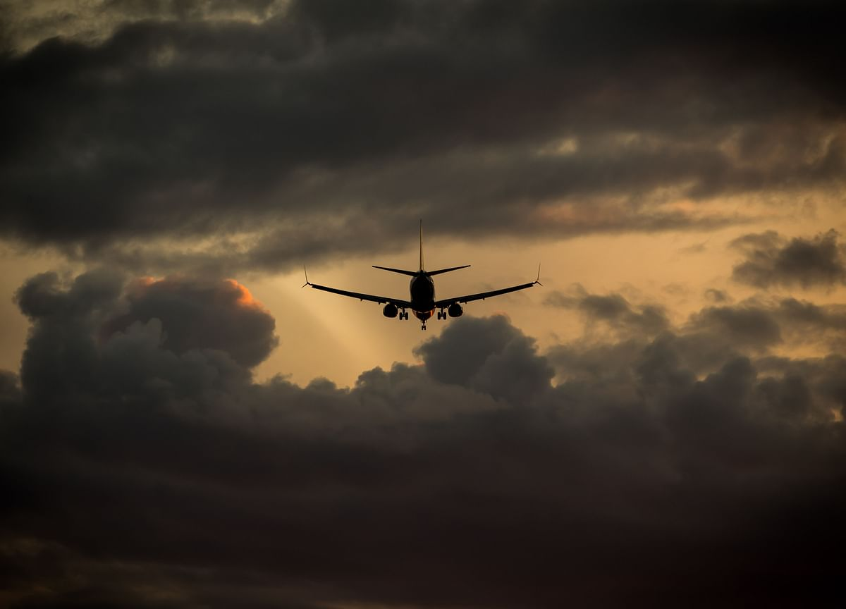 Rich Indians Flee by Private Jet as Virus Infections Spiral
