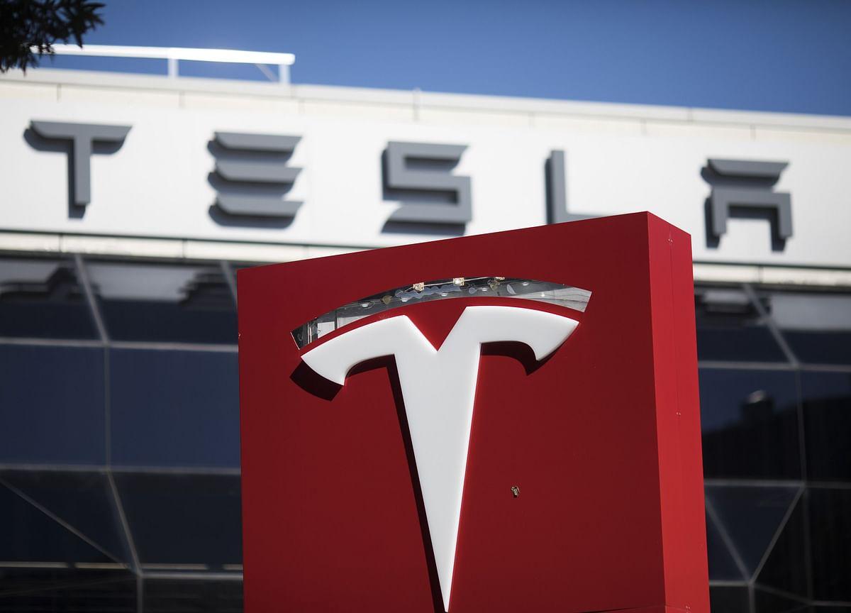 Tesla Says China Car Traveling at Nearly 120 Km/H Before Crash