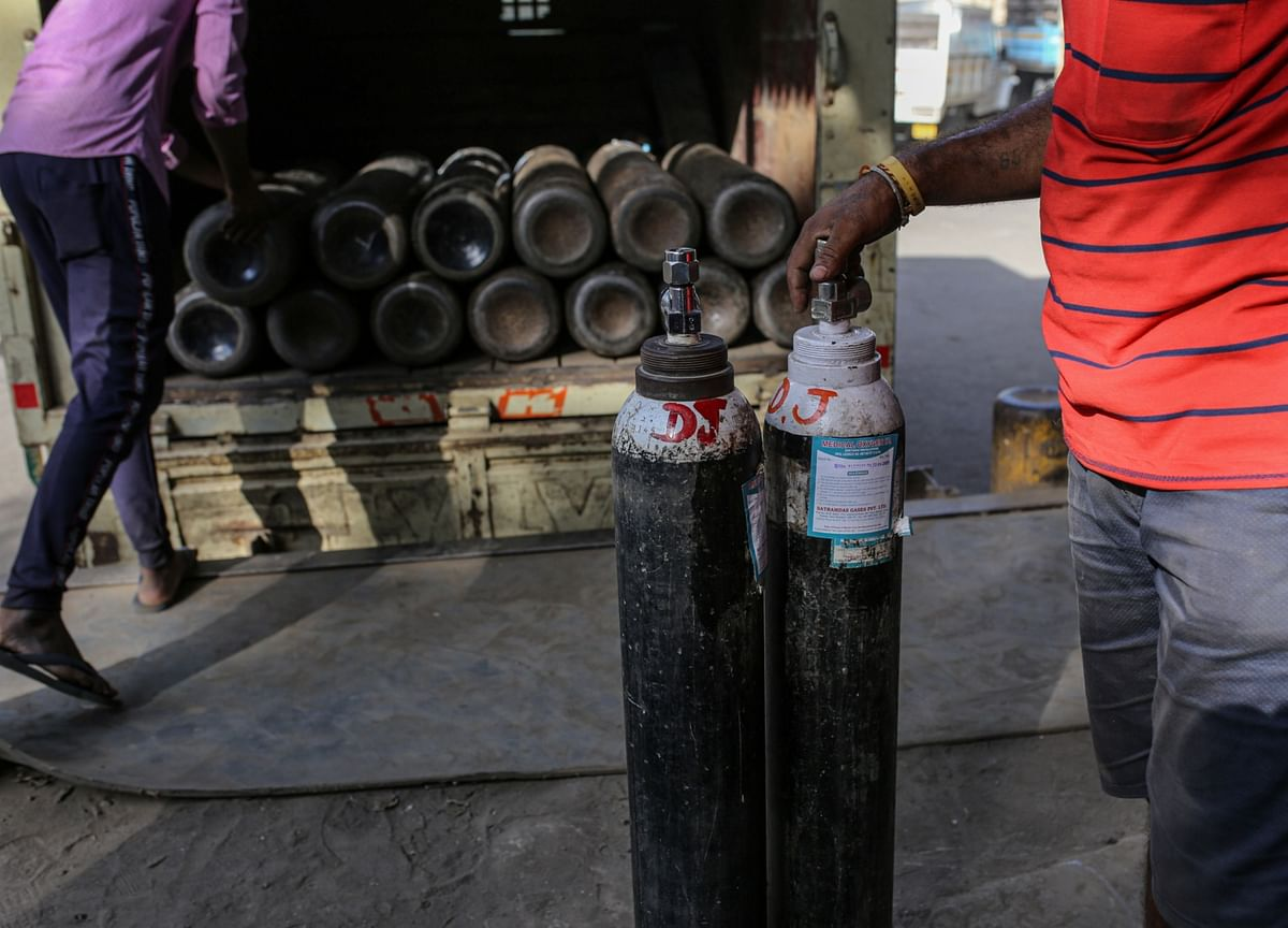 Metal Makers Step Up Oxygen Supply as India Gasps for Breath