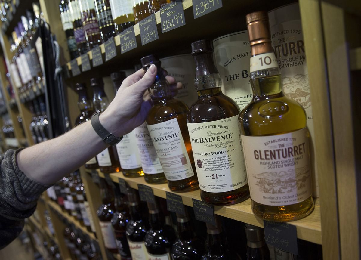 An Exclusive New Bar IsOffering Tastes of $50,000 Whisky