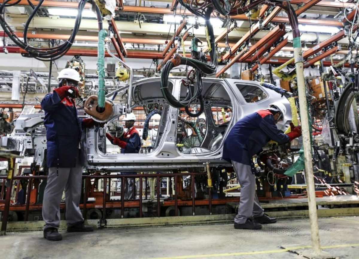 Covid Fears Paralyze Global Carmakers in India's Detroit