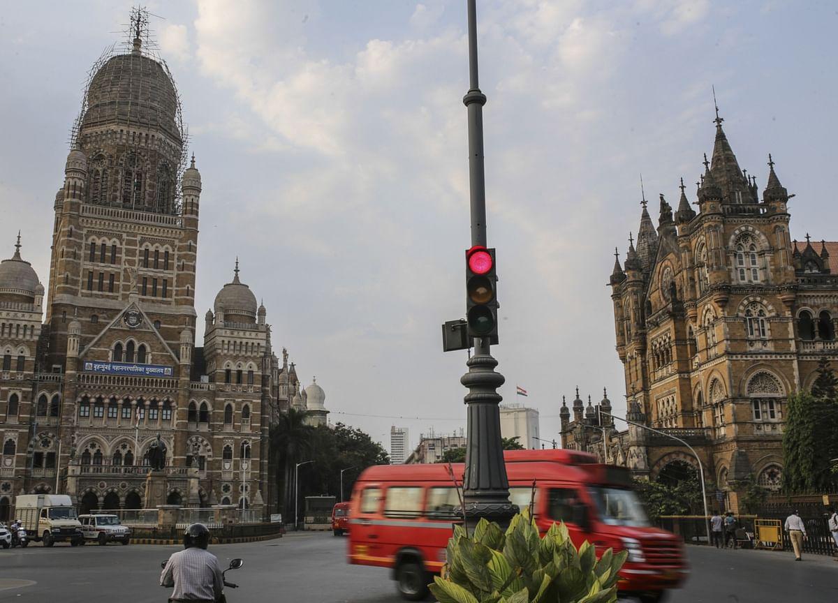 DBS Can Fund $2 Billion Bid for Citi India Unit, Bernstein Says