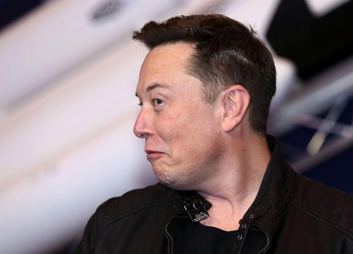 Elon Musk on SNL Spurs Dogecoin Watch Parties After 20,000% Gains
