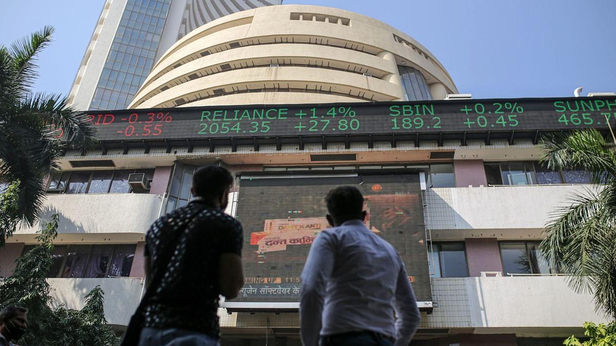 Live: Sensex, Nifty Slide; Infosys Gains, Zensar Falls After Large Trades