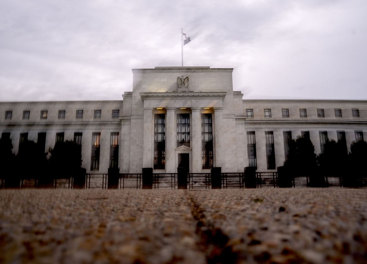 Central Banks Snuff Out Classic Rate Bets as Commodities Surge