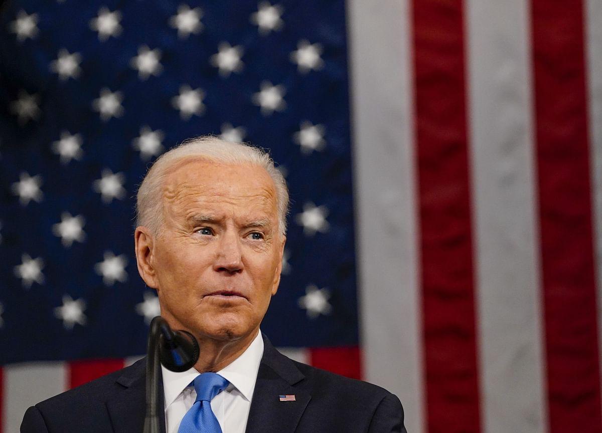 Biden $4 Trillion Plan Pivots on Pelosi, Schumer, GOP Moderates