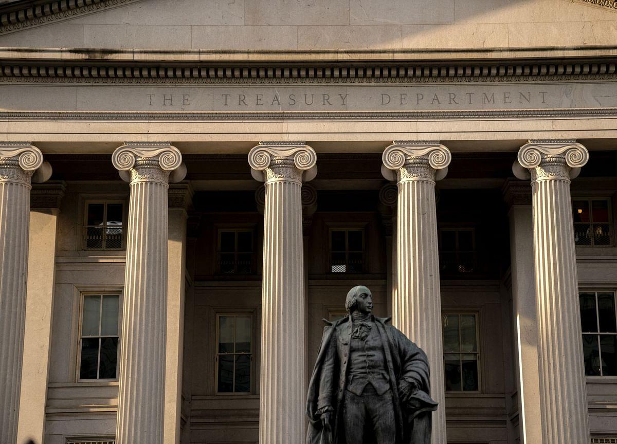 Summers Says Biden Budget Risks Overheating U.S. Economy