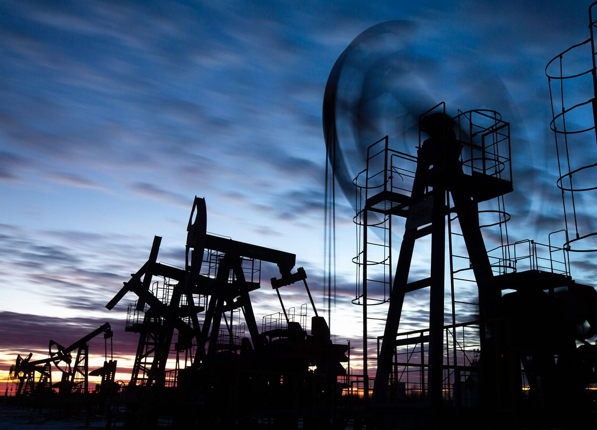 Brent Oil Climbs to $70 a Barrel as Reopenings Boost Demand