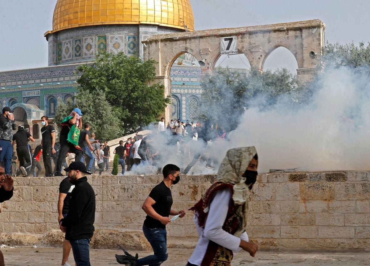 Gaza Militants' Rocket Fire Spurs Israeli Air Raids, Killing 20