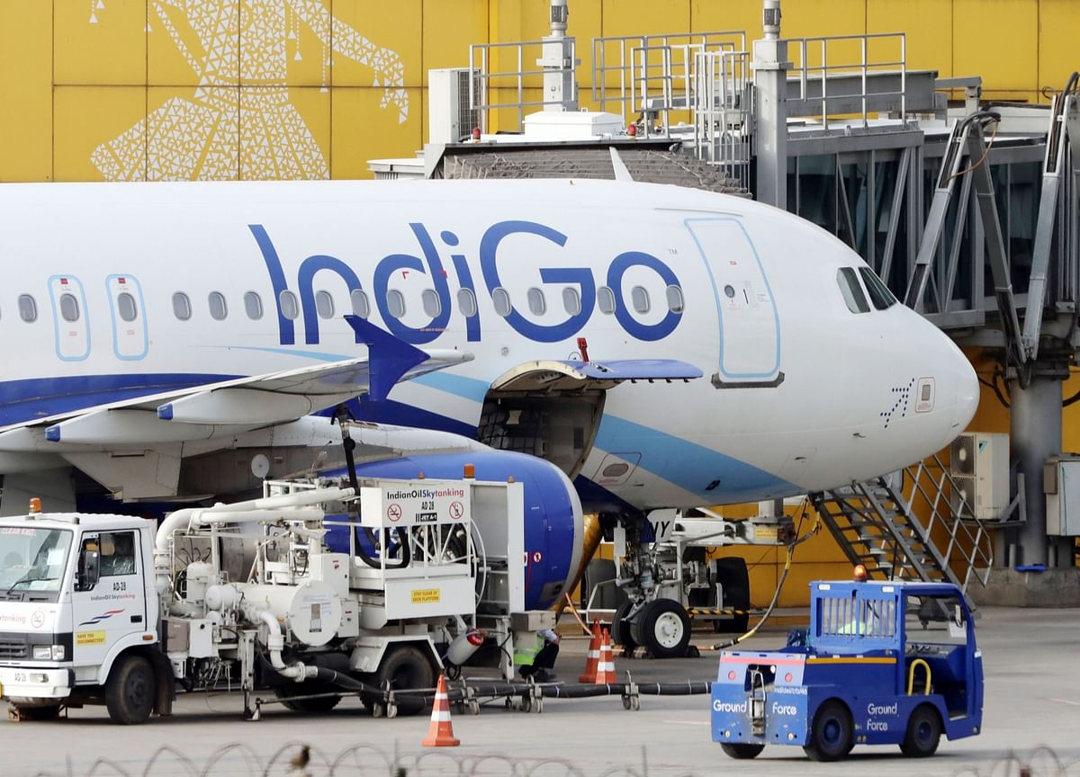 IndiGo to Raise $409 Million in Strategy Reversal on Virus Surge