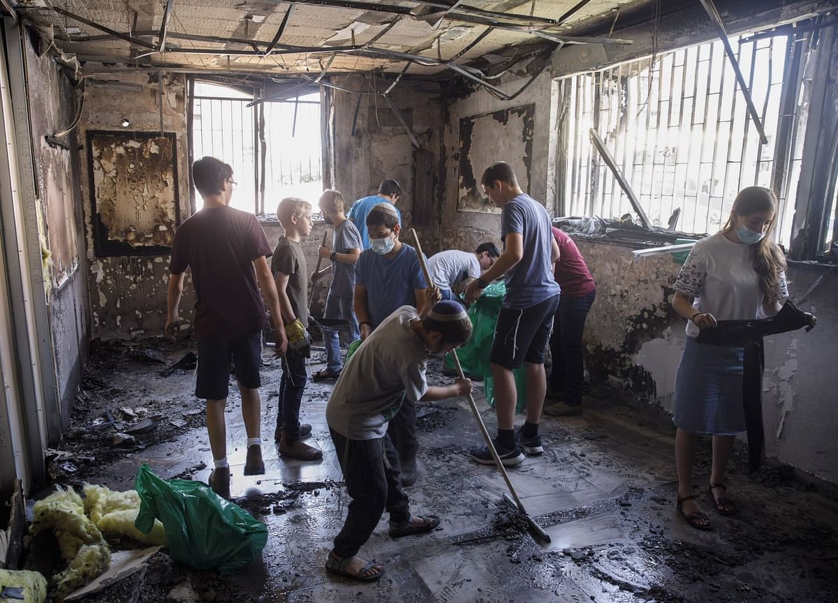 World Demands Gaza Cease-Fire as Netanyahu Vows to Press On