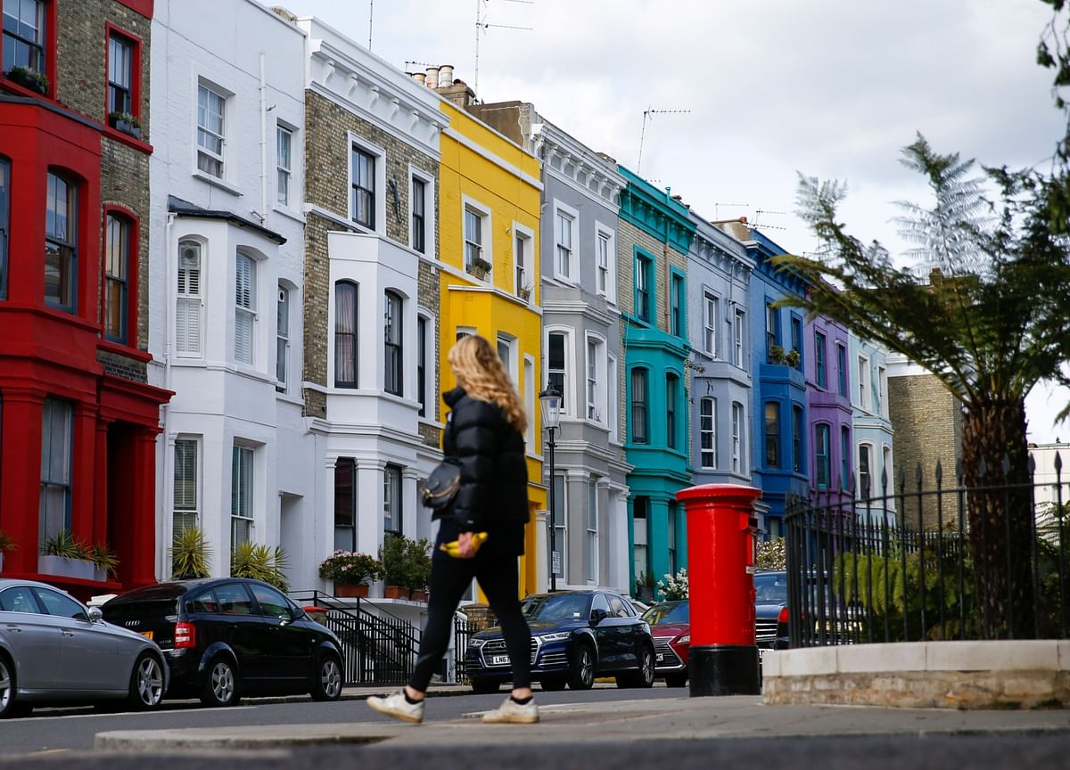 U.K. House Prices Register Fastest Annual Growth Since 2007