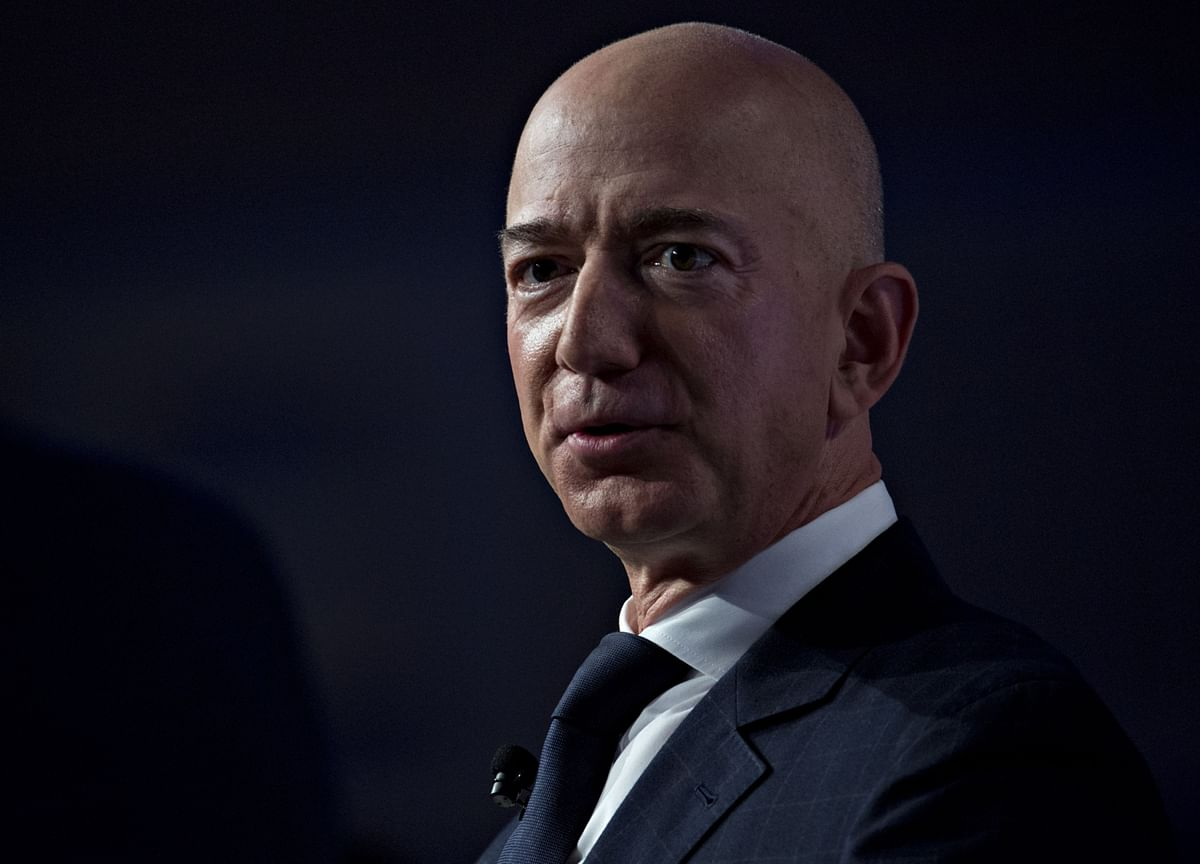 Bezos Sells $2.5 Billion of Amazon and Signals More Coming