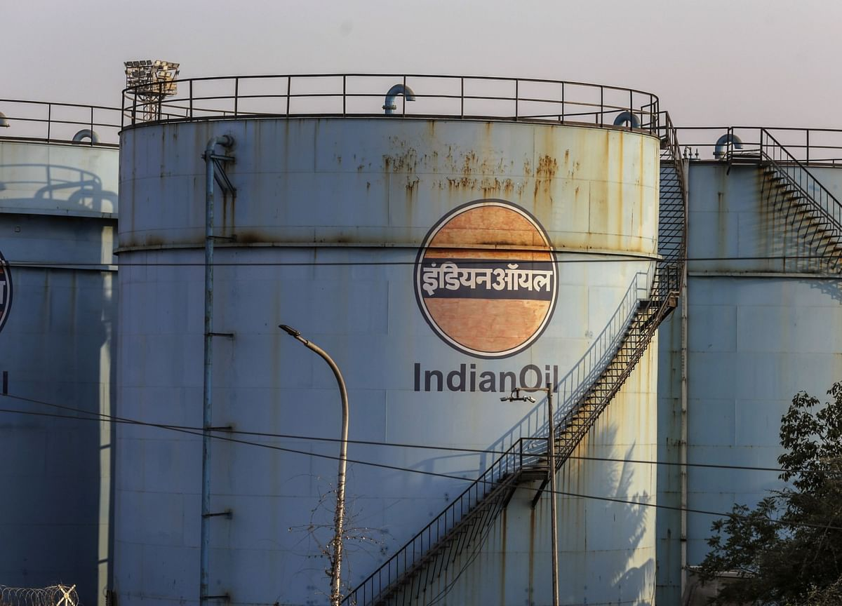 India's Top Refiner Shops for Oil Again After Month-Long Hiatus
