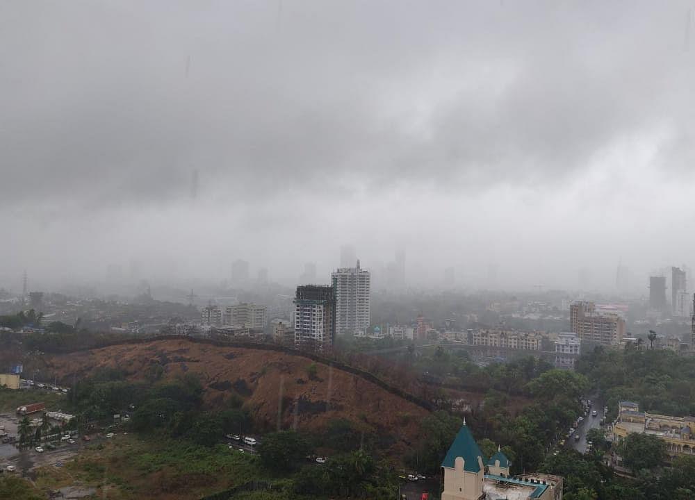 Extremely Severe Cyclonic Storm Tauktae Live: Cyclone Starts Landfall Near Diu, Rains In Mumbai May Reduce