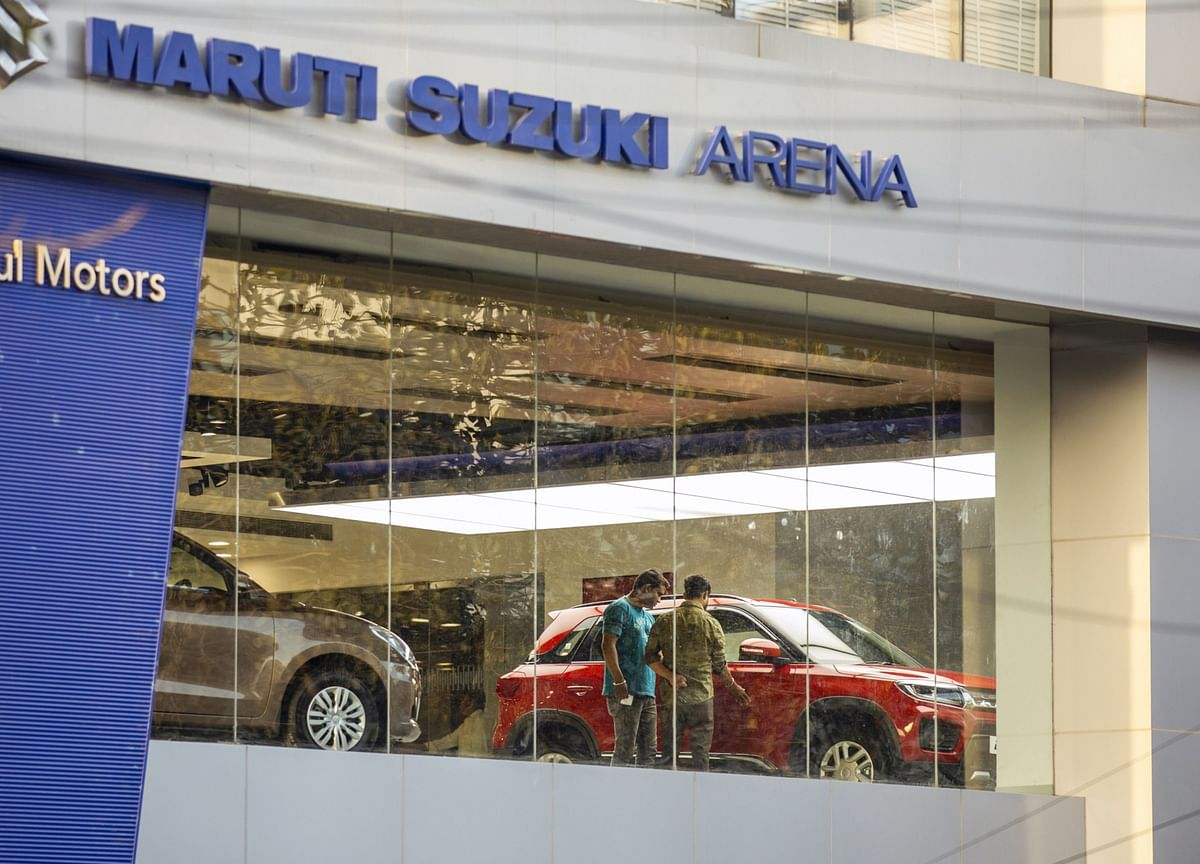 India's Top Carmaker Slices Production as Lockdowns Hit Sales