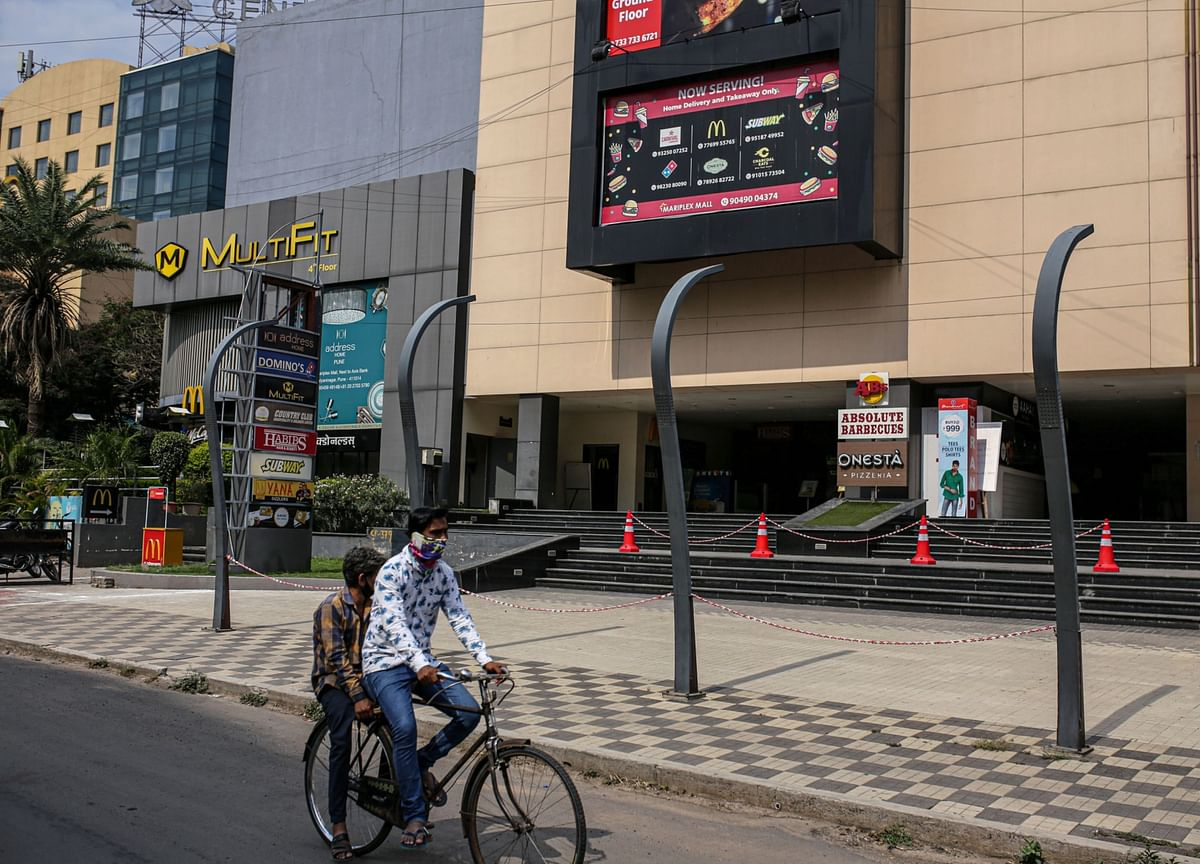 Consumption Hit From India's Virus Wave Seen Denting Economy