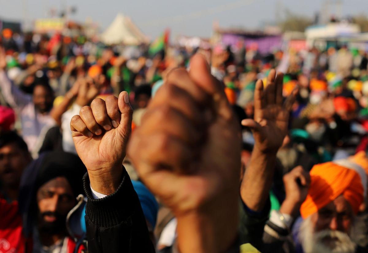 "<div class=""paragraphs""><p>Farmers gather at a protest site in Singhu, Delhi, on Dec. 14, 2020. (Photographer: Prashanth Vishwanathan/Bloomberg)</p></div>"