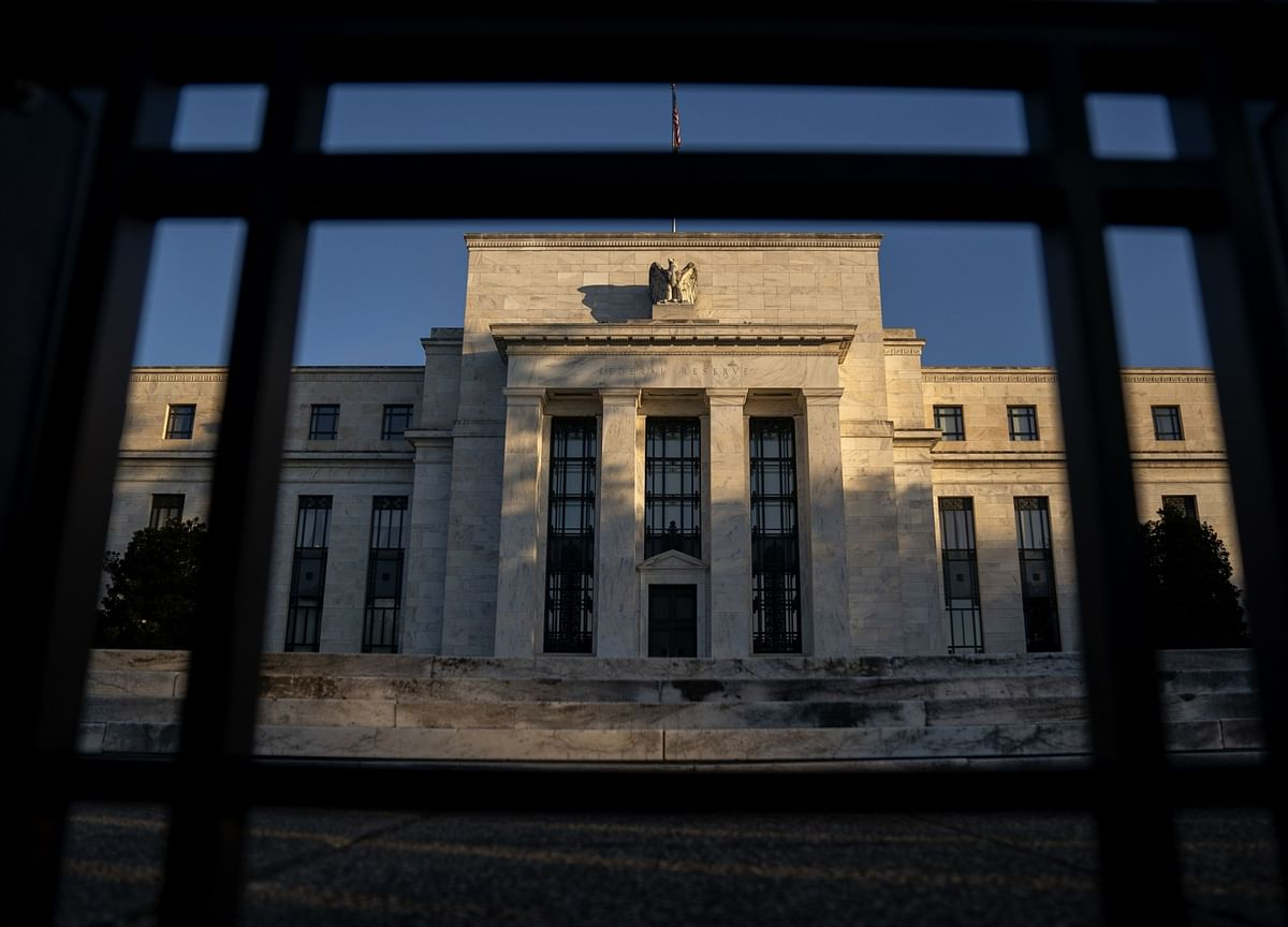 The Federal Reserve Continues to Fall Behind the Curve