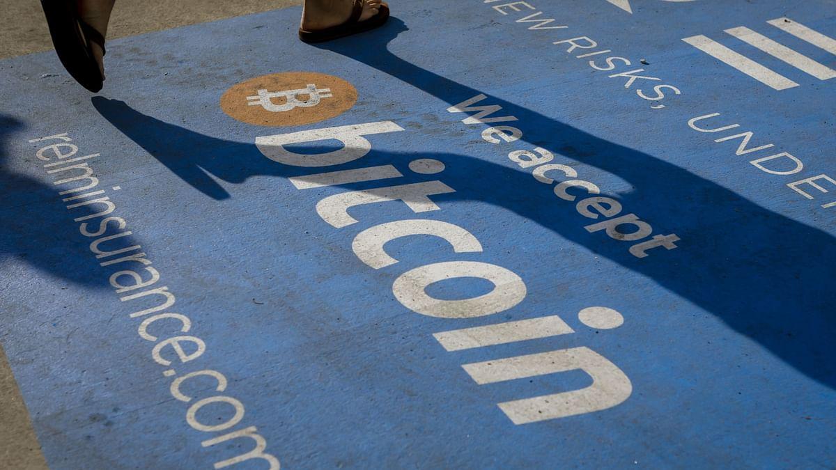 Bitcoin Barrels Into 'Death Cross' As Chartist Backdrop Darkens