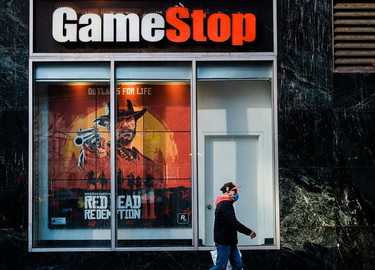 GameStop Tumbles on Stock Sale Plan and Unclear Strategy View