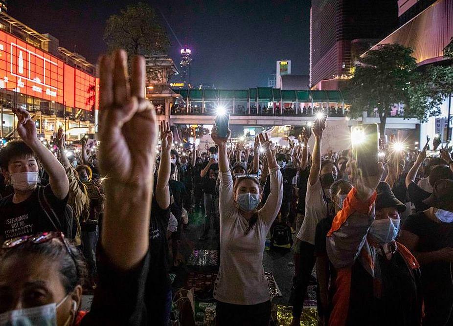 Thai Protesters Return as Parliament Backs Charter Recast