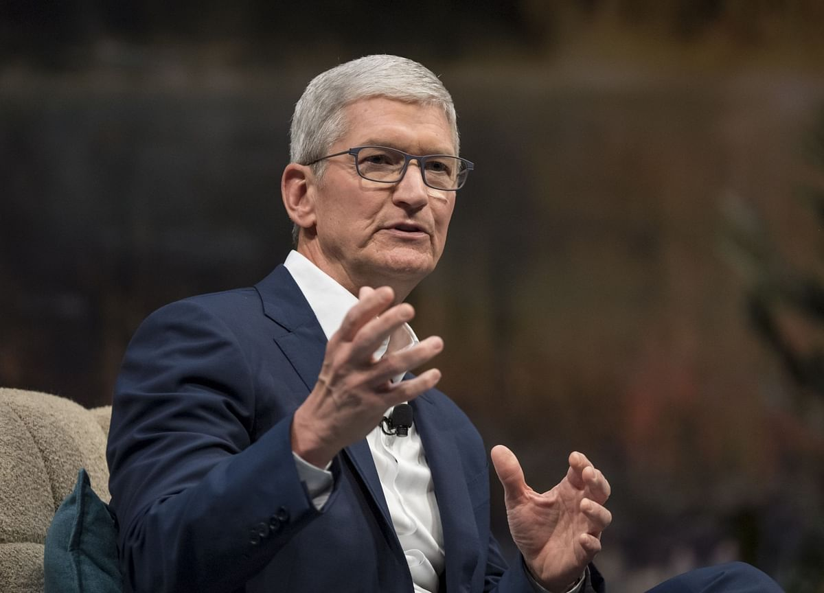 Once Tech'sGolden Child, AppleLoses Its Luster as Scrutiny Grows