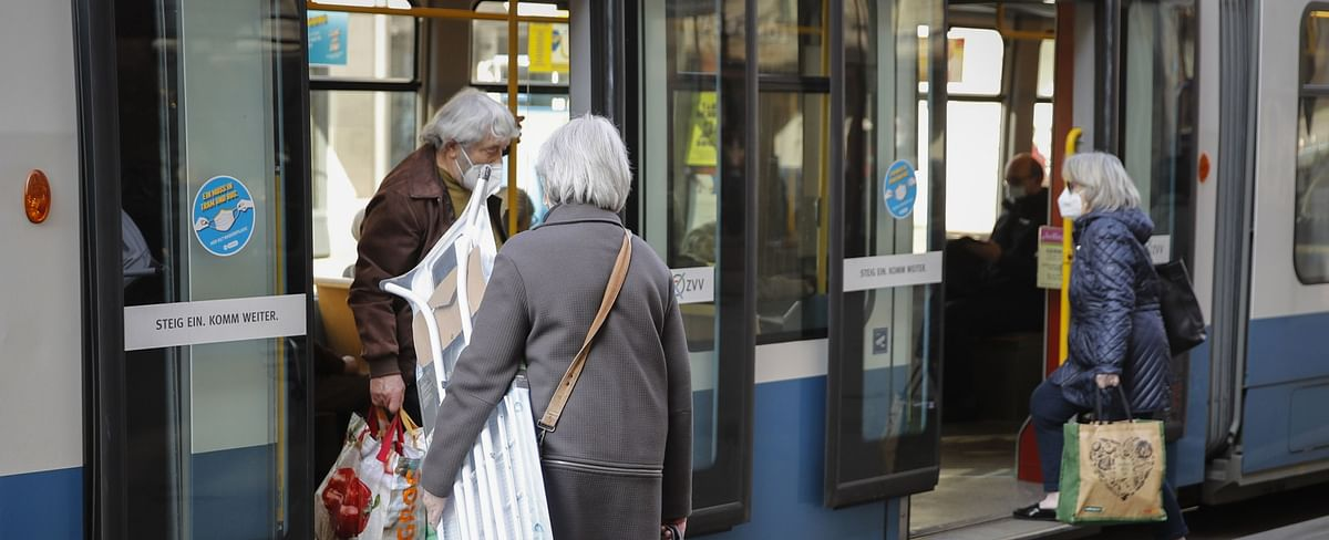After The Pandemic, A Wave Of Spending By Older Consumers