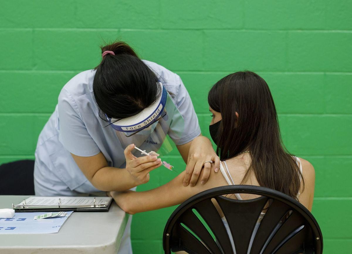 Canada Races Toward Key Vaccine Milestone for Border Opening