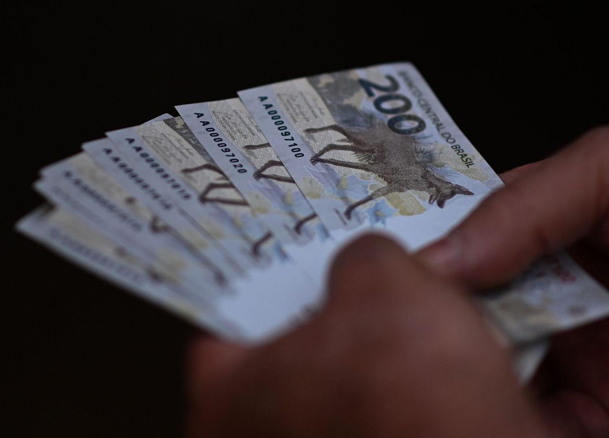 Goldman, JPMorgan Pin Emerging-Market Bets on Hawks Beating Fed