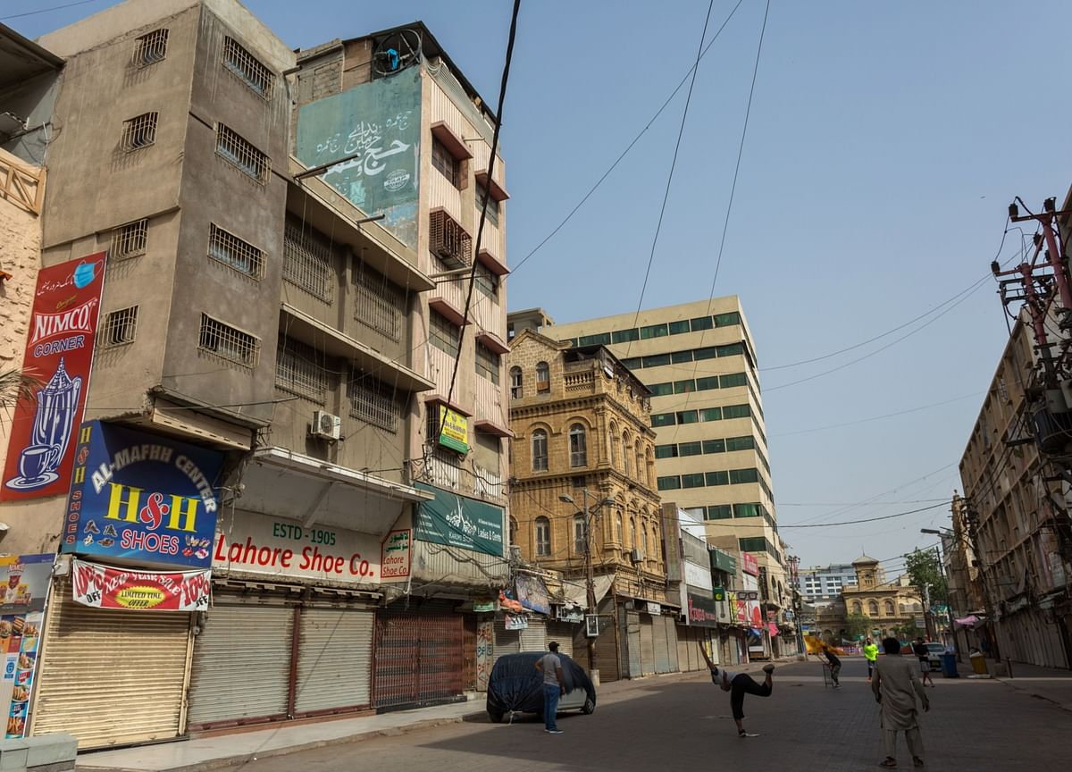 PakistanConsiders Stimulus Package to Support Economy