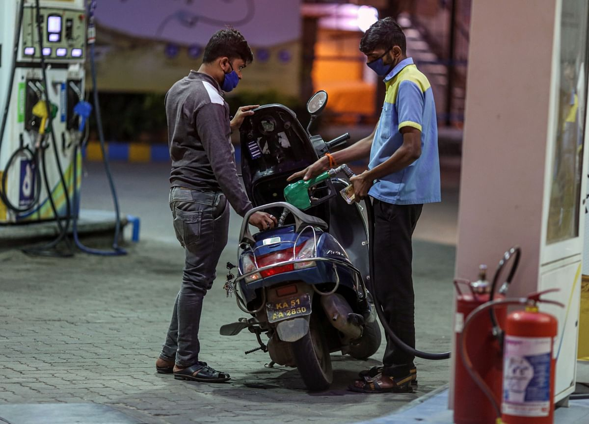 India's $7 Billion Bet to Turn a Fifth of Its Gasoline Green