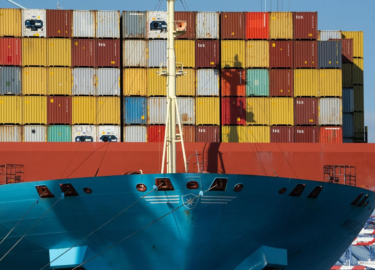 U.S.TradeGap Narrows for First Time in 2021 as Exports Jump