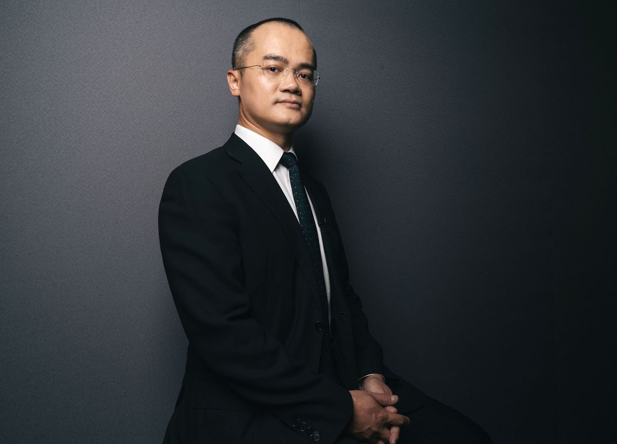 China Orders Billionaire to Lie Low After Poem Post Sparks Fury