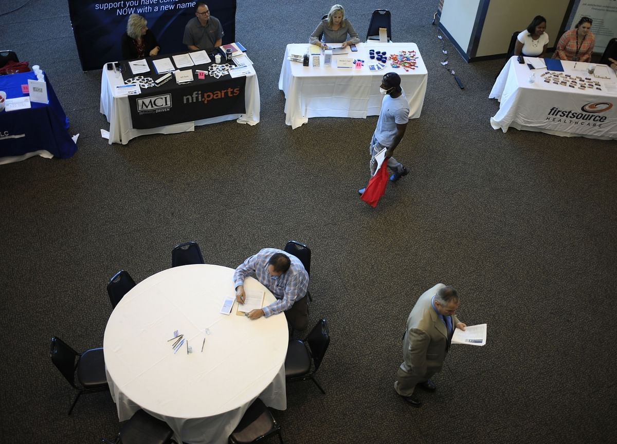 U.S. Initial Jobless Claims Are Higher Than Estimates at 411,000