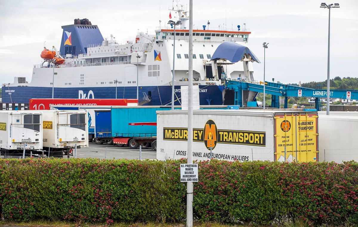 Hopes Rise of Truce in Brexit Sausage War Over N. Ireland Trade