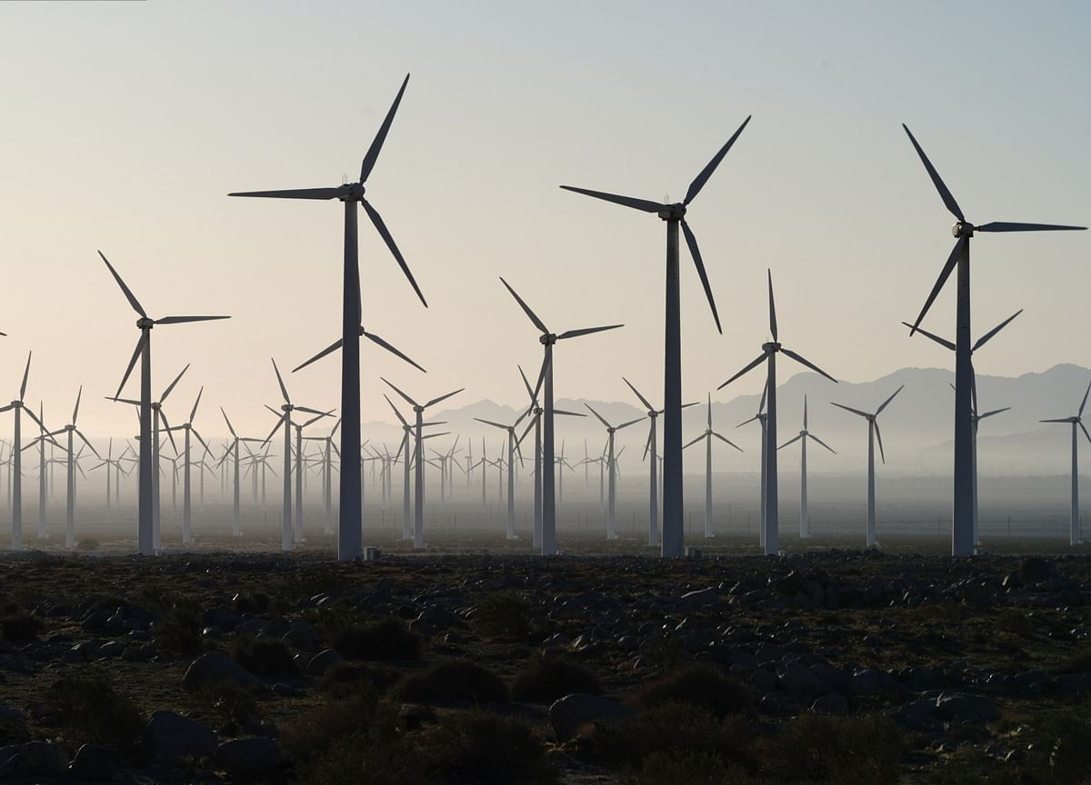 Wind Industry Calls for Ban on Old Turbine Blades in Landfills