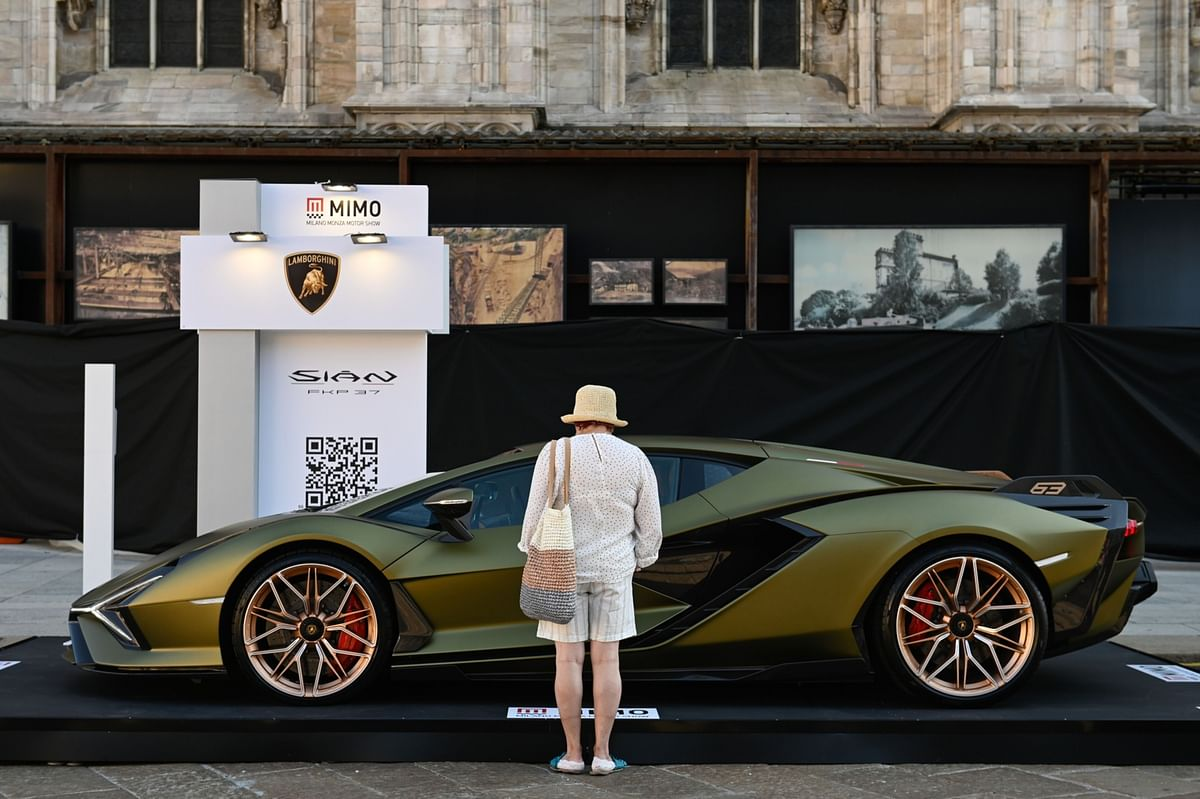 """""""Revenge Spending"""" Clears Out Lamborghini for Most of 2021"""
