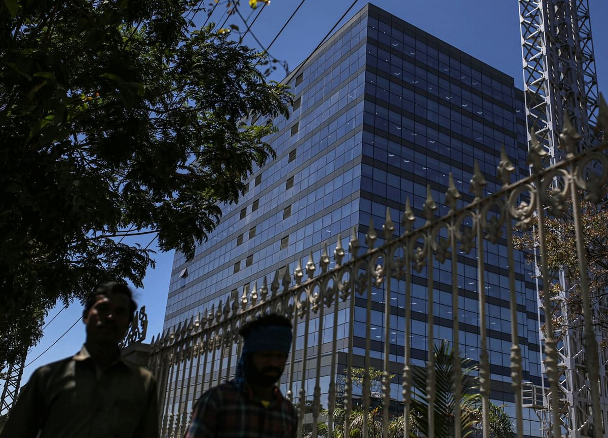 India's Services PMI Falls To The Lowest In 11 Months