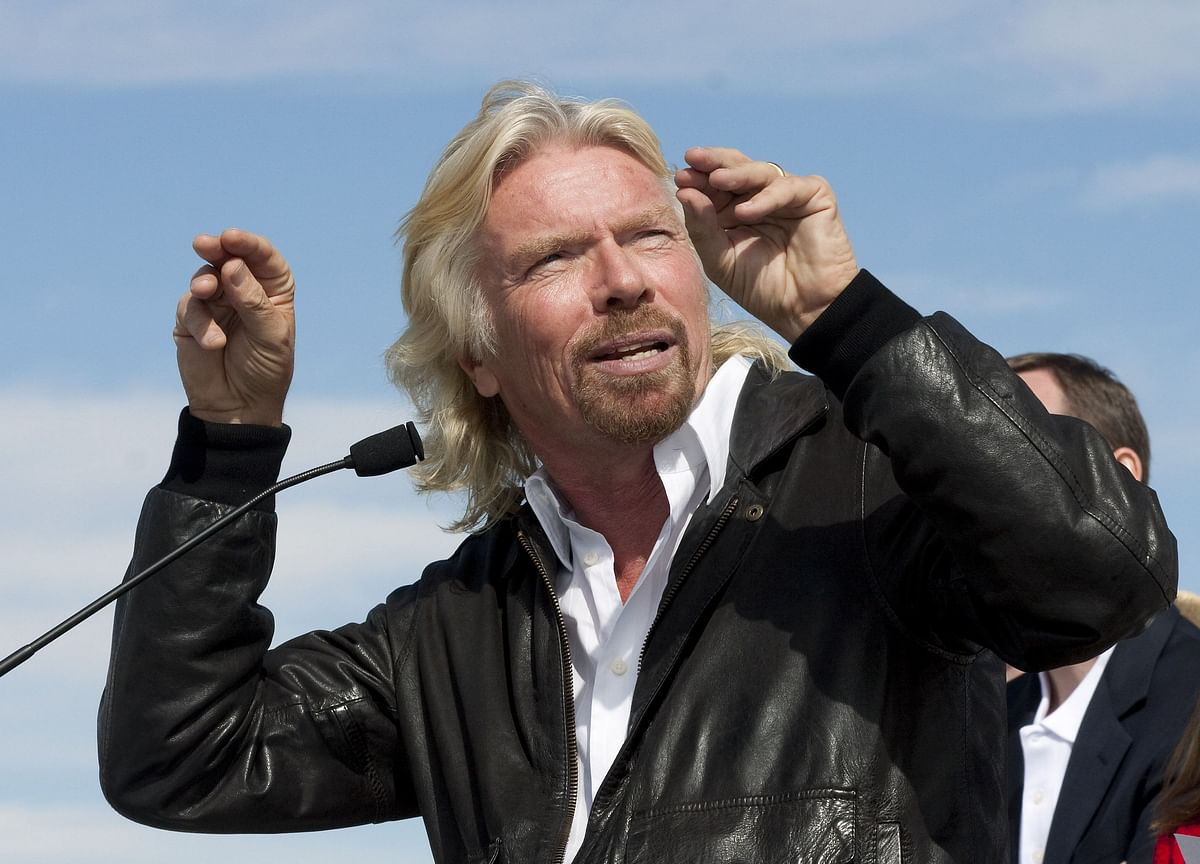 Virgin Galactic Sinks on Stock-Sale Plan After Branson Trip