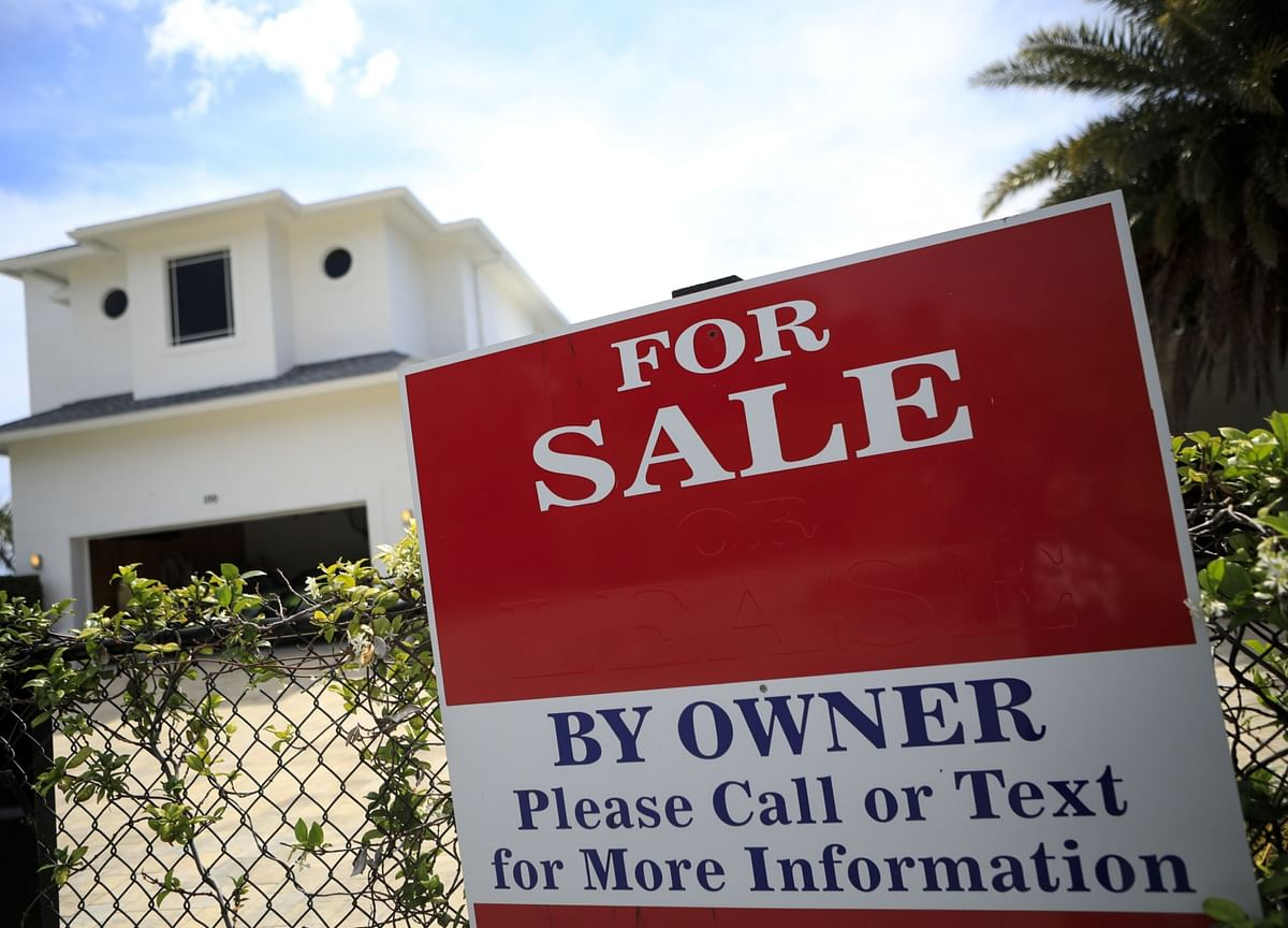 Summers Says House Prices Are 'Scary,' Questions Fed MBS Buying