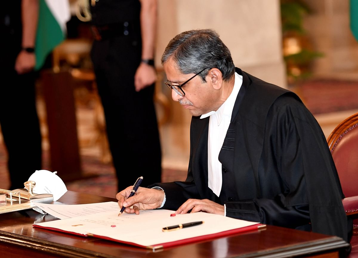Chief Justice Of India Advises Caution To Lawyers And Judges On Live Streaming