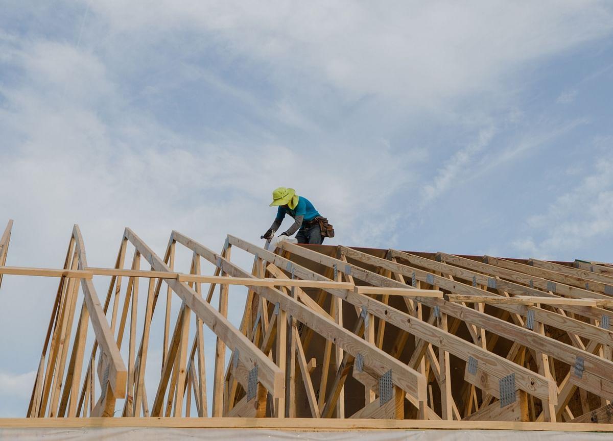 U.S. Homebuilder Sentiment Falls to 11-Month Low in July