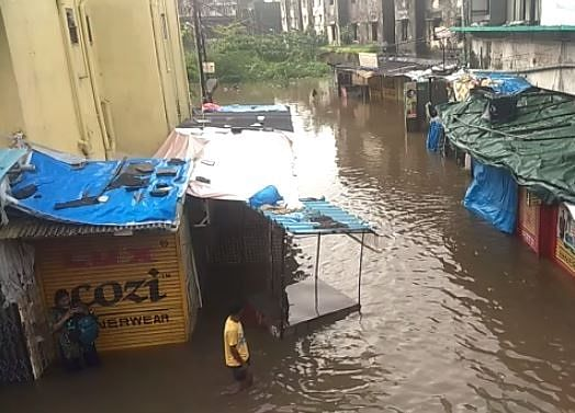 Highest One-Day July Rainfall in Seven Years Kills 25 in Mumbai