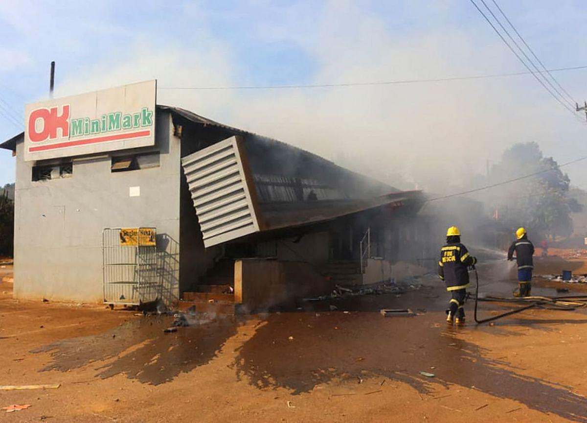 Banks Shut, Phones Cut Amid Eswatini Anti-Monarchy Protests