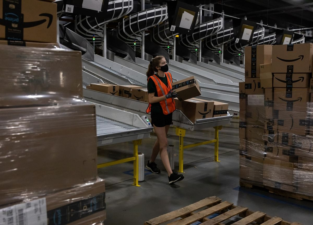 Amazon Lottery Offers Vaccinated Workers Cars, $500,000 Cash