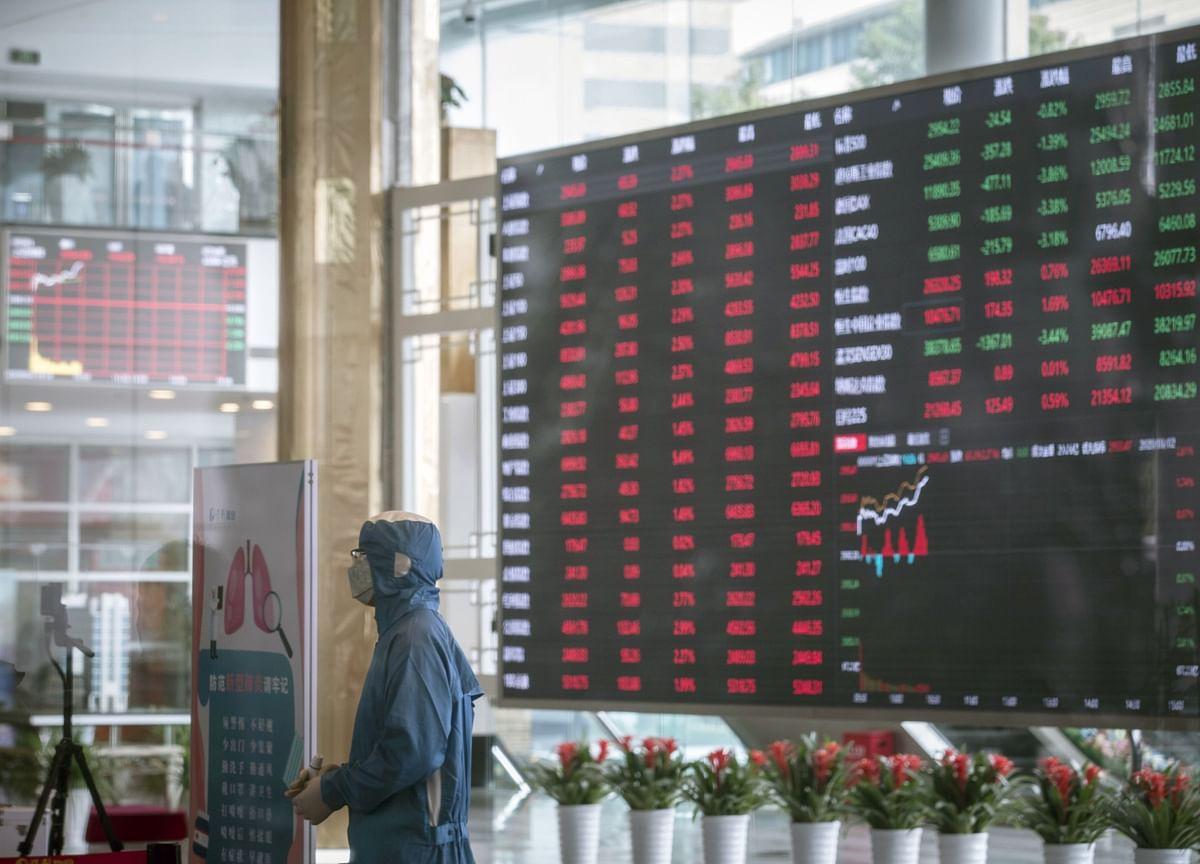 China Snags World's Biggest IPOs While Hong Kong Listings Dry Up