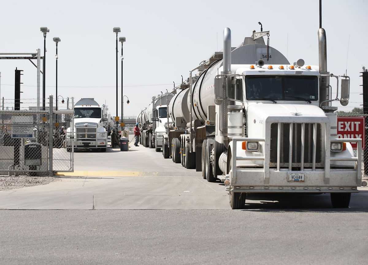 A Trucking Crisis Has the U.S. Looking for More Drivers Abroad